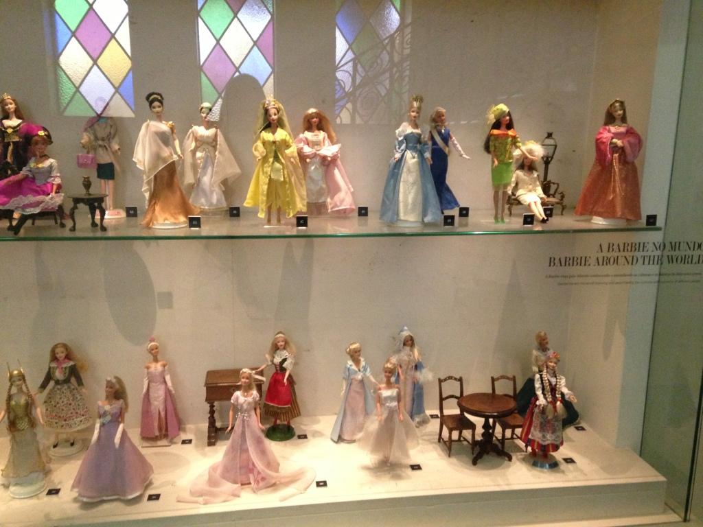 Pavilhão das bonecas - exposição linda com muitas barbies!